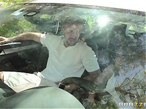 Hopeful driver Sara Luvv romps her driving schoolteacher