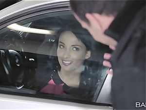 Anissa Kate smashing the manager in the car park