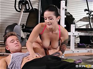 Serious labia exercise for Katrina Jade