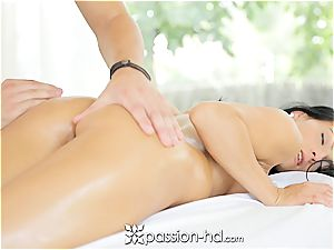 Lexi gets a utter body massage with facial