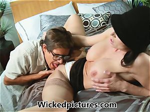 Kendra eagerness helps out a nasty stud with his problem