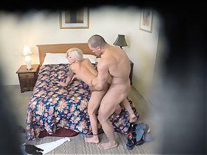 insane Nina Elle romps her guy at the motel