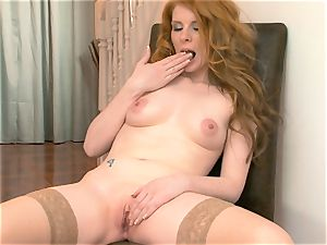 Nicole Hart plays with her hot sandy-haired slit