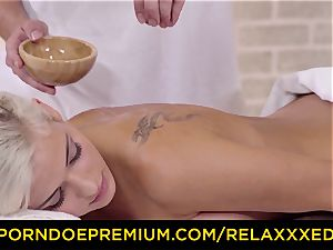 RELAXXXED - well-lubed blondie Ria Sunnn drilled in the spa