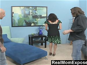 RealMomExposed ultra-kinky man sees his wifey