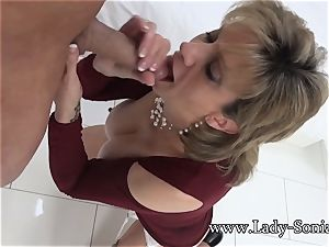 woman Sonia Mature honey well-lubed Up And deepthroating stiffy