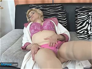 EuropeMaturE busty towheaded Mature Solo getting off
