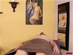 nubile massagist feels gross To see His spunk