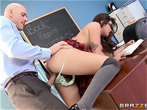 Top college girl Karlee Grey gives presentation on a sybian saddle