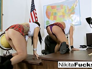 Classroom taunting leads to lezzy humping