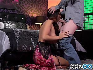 Spizoo-Watch Alison Tyler screwing a giant shaft fat melons