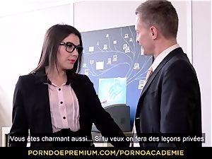 porn ACADEMIE - lecturer Valentina Nappi MMF threeway