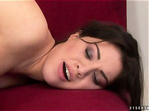 Tiffany dame smooching steaming with mature dame