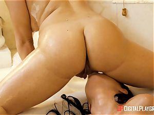 super hot and wet lesbians Mila Marx and Carolina Sweets minge joys in the bathtub