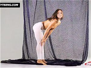 Mega stellar gymnast Salaskina