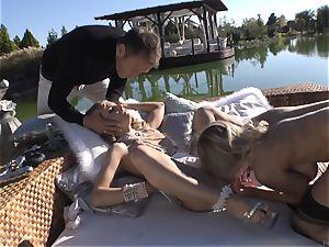 Rocco Siffredi heads deep inside Cayenne Klein and her friend