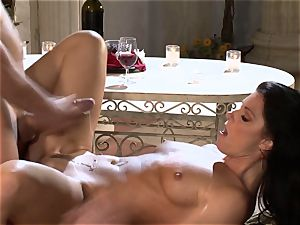 India Summers India Summers is lovinТ the phat stiffy pleasuring her sizzling fuckbox har
