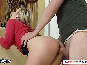mischievous Karla Kush satiates her neighbors ample johnson
