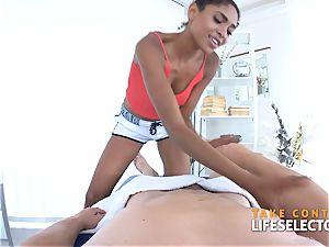 Luna Corazon - multiracial Shool nail