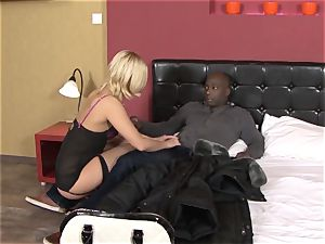 Invited a stranger hotwife trainer to pulverize blond wifey