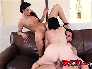 India Summer in an super-hot mummy three-way