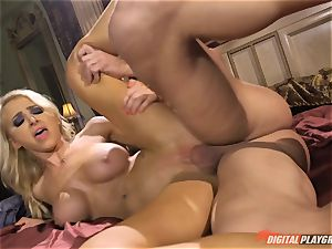 Alix Lynx munches spunk-pump and gets her saucy little pussy beaten