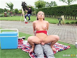 Alessandra James plowed balls deep by street performer