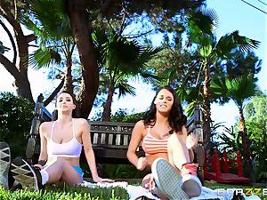 Noelle Easton and Peta Jensen first girl/girl meeting
