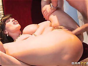 Divine mature Lisa Ann tests fat knob on Olympus