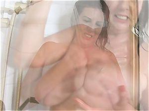 hefty titties Lulu round Lathers Up