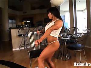 2 stunning fitness stunners flash off for you