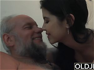 dame Dee nubile vagina licking And nail with dirty facial cumshot