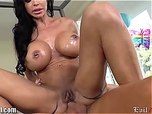 big-boobed cougar pearls Jade railing a spear with her caboose