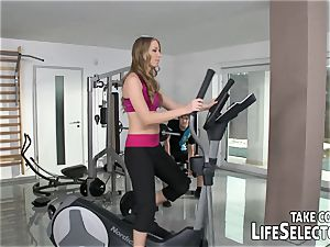 A private trainer trains his clients coochies.