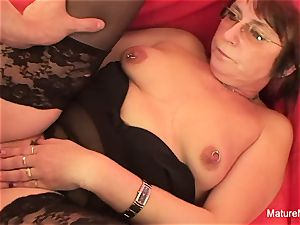 Punky pierced grannie loves to deep-throat and plumb