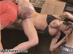 Veronica Avluv gets her vengeance with a torrid 3some