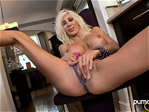 Puma Swede honey dildo her coochie while sitting on chair
