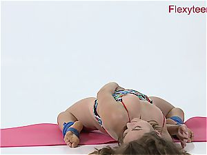 nimble honey Anka displays naked gymnastics