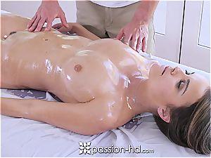 Dillion Harper luvs stellar massage