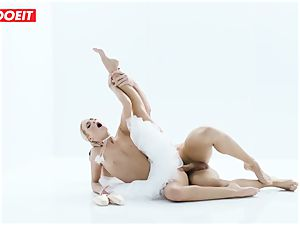 Czech ballerina opens up before intense hook-up with paramour